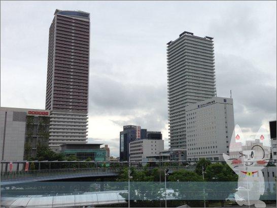 jr 岐阜 駅前 に は 次 の うち どの よう な 織田 信長 の 像 が 建っ て いるか